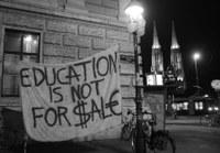 Pressemitteilung: Bis zu 600 Menschen nehmen an einer Demonstration gegen geplante Studiengebühren in Freiburg teil